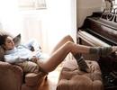 Kendall Jenner gợi cảm khoe chân dài