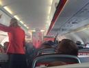 Phi công Jetstar tắt động cơ giữa hành trình vì máy bay bốc khói