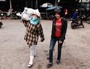 Huế: Nhọc nhằn mưu sinh của nữ cửu vạn chợ Đông Ba