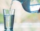 Chỉ nên uống nước khi khát?
