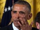 Tổng thống Obama bật khóc trong tiệc chia tay