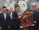 Bắc Ninh trao tặng cờ tổ quốc và quà cho Quân chủng Hải Quân