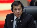 Tổng thống Philippines lần đầu mặc vest sau 30 năm