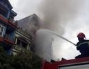 Hà Nội: Cháy nhà 5 tầng, 2 mẹ con thương vong