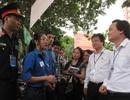 Bộ trưởng Bộ Giáo dục thị sát thi tại Hà Nội