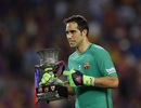 Nhật ký chuyển nhượng ngày 22/8: Barca chia tay thủ môn Bravo