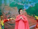 Lâm Phi Quỳnh gây sốc lớn trong Tết Vạn Lộc