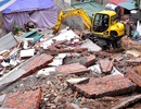 Mưa lớn kéo dài gây ngập lụt, sập nhà ở Quảng Ninh