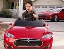 """Chiếc ô tô điện cho trẻ em khiến người lớn cũng """"mê mệt"""""""