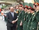 """Thủ tướng: Không chấp nhận """"phi chính trị hóa"""" lực lượng vũ trang"""