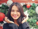 Hoa khôi ĐH Quốc gia Hà Nội duyên dáng đón Noel
