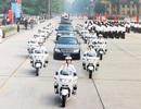 """Những """"kỵ binh"""" bảo vệ khách VIP trên đường"""