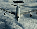 NATO triển khai mắt thần trên không chống IS