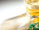 Vì sao cần kiêng bia rượu khi uống thuốc?