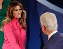 """Bà Trump """"gây sốt"""" với trang phục tại buổi tranh luận của chồng"""