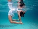 Kỳ thú những tư thế yoga trong lòng đại dương