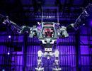 """""""Ông trùm"""" Amazon xuất hiện bên trong robot khổng lồ cao gần 4 mét"""