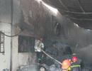 Cháy công ty may, hàng trăm công nhân tháo chạy