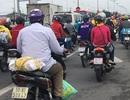 Người miền Tây lỉnh kỉnh hành lý, nối đuôi nhau đổ về Sài Gòn