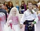 """Cảm động """"hôn lễ cổ tích"""" của cô bé 5 tuổi"""