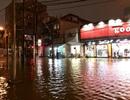 Mưa lớn kéo dài, nhiều tuyến đường Huế biến thành sông