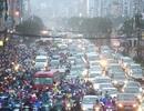 Hà Nội: Người dân chôn chân trong mưa rét vì đường về nhà tắc nghẹt