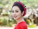 Jennifer Phạm diện áo dài hoa sen làm MC trong tiệc chiêu đãi APEC