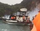 Tàu du lịch bốc cháy trên vịnh Hạ Long