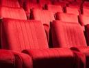 """Bị """"trả thù"""" vì đạp lưng ghế trong rạp chiếu phim"""