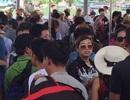 Hàng nghìn khách du lịch kẹt lại đảo Cô Tô