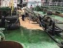 Khống chế thành công 200 lít dầu tràn ra Vịnh Hạ Long
