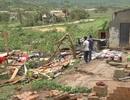 1 người chết, 2 người bị thương, hàng trăm nhà đổ sập vì mưa bão
