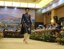 Lần đầu tiên tơ lụa Lâm Đồng được tôn vinh trong Festival hoa Đà Lạt