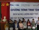 Panasonic trao tặng 1.200 đèn năng lượng mặt trời cho miền Trung