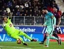 Eibar 0-4 Barcelona: Messi, Neymar, Suarez cùng lập công