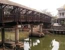 Trùng tu cầu ngói hơn 100 tuổi ở Ninh Bình