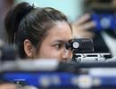 Xạ thủ trẻ căng thẳng tranh tài bắn súng