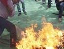 Ghen tuông, chồng tẩm xăng đốt chết vợ cũ