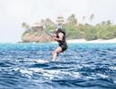 Video ông Obama lướt sóng trên bãi biển gây sốt trên YouTube