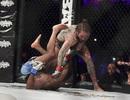 Ngôi sao truyền hình hạ gục đối thủ sau 43 giây trên sàn MMA