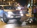 Bị nhóm thanh niên truy đuổi, tài xế ô tô gây tai nạn liên hoàn