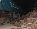Bắt quả tang trộn gỗ quý vào ngô để qua cửa khẩu