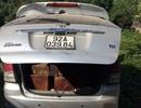 Tháo ghế xe Innova 7 chỗ để chở gỗ lậu