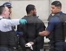 Anh bắt giữ kẻ mang dao gần dinh Thủ tướng