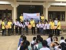 Bào chế mỹ phẩm gây quỹ mua sách cho học sinh nghèo