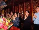 Nguyên Phó Chủ tịch nước Nguyễn Thị Doan dâng hương tưởng niệm các Vua Hùng