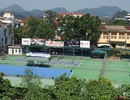 Một người bị bắn trọng thương trên sân tennis