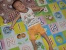 Đau đớn bé trai 3 tuổi phải giành giật sự sống từng ngày với căn bệnh bại não