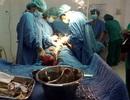 Sợ phẫu thuật, mang khối u gần 4kg kèm rong kinh suốt nhiều năm