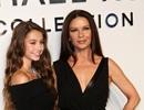 Ngỡ ngàng với vẻ xinh đẹp của con gái Catherine Zeta-Jones